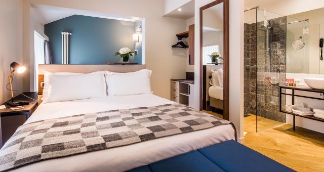 Hotel in centro a genova 3 stelle best western hotel for 3 stelle arredamenti