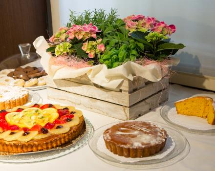 Fresh cakes and pastries in the buffet breakfast at the Hotel Metropoli in Genoa