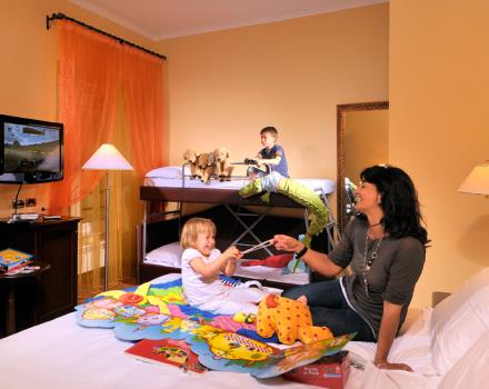 Hotels in Genoa, the triple room of Metropoli Hotel
