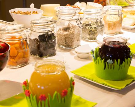 Fresh and tasty jams in the breakfast of the Hotel Metropoli Genoa